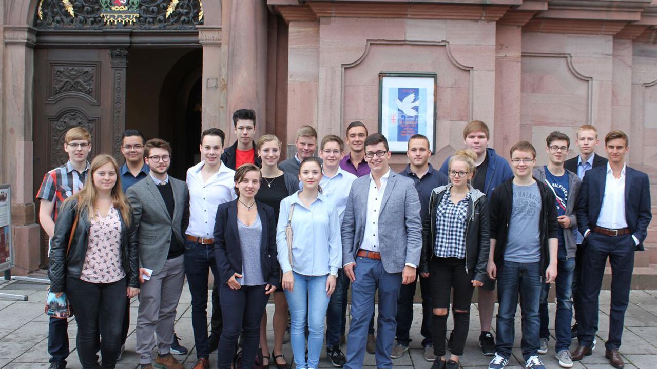 """Der 44. Landestag der Schüler Union Rheinland-Pfalzes in Worms """"Schüler sind Mittelpunkt der Bildung - Individualität statt Kollektivität"""""""